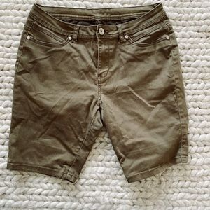 Kaki Large Mid lenght Casual  Jeans Shorts
